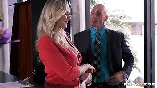 Busty uncle Julia Ann drops on her knees to please her boss