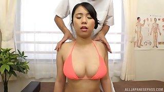 Asian hottie combines knead with heavy sex
