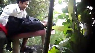 BanglaDeshi Boys and Girls Intercourse in Park