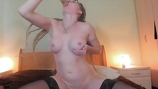 Mom Babe Makes Herself Orgasm Greatest extent Fingering Rear