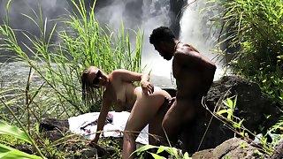 Hot outdoor interracial outdoor sex